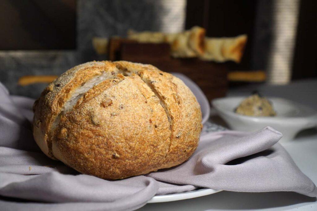 bella dubai bread