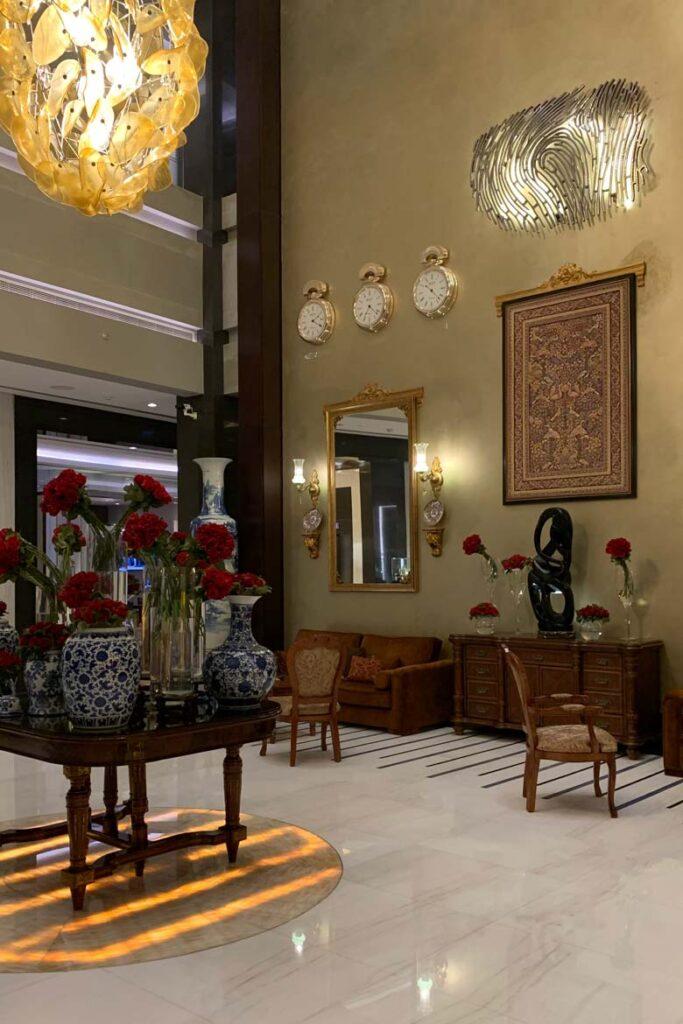 bella lobby