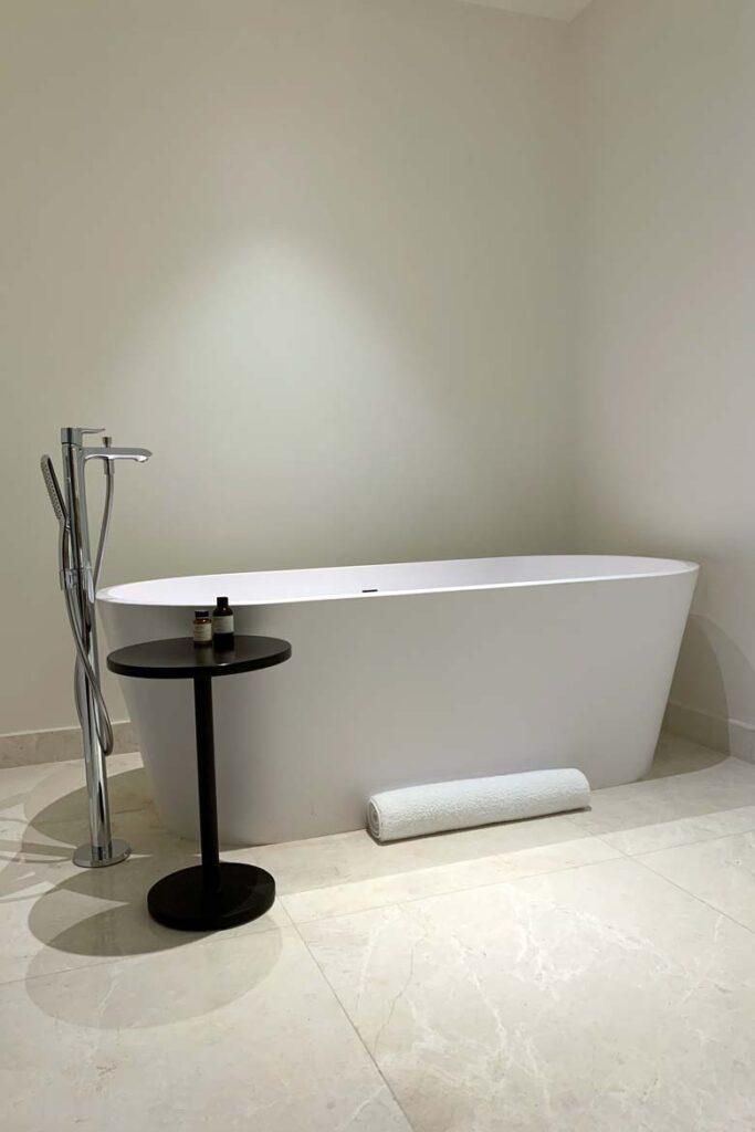 edition abu dhabi bathrom 1